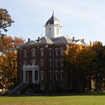 Pioneer Hall at Linfield College, McMinnville, Oregon. Taken from the northwest.