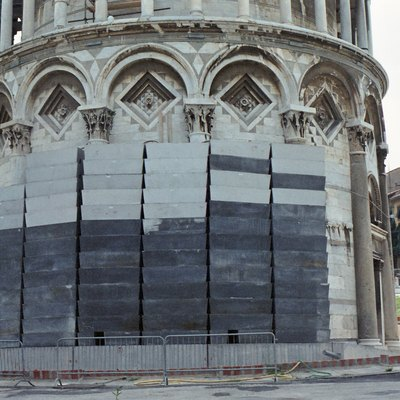 Leaning tower of Pisa - lead counterweights