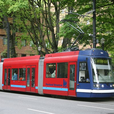 A car of the Portland Streetcar system at the eastbound Portland State University stop, on Market Street at the South Park Blocks.
