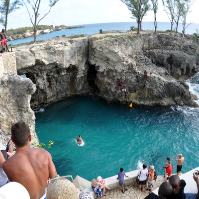 Cliff Jumper at Ricks in Negril, Jamaica Photo D Ramey Logan