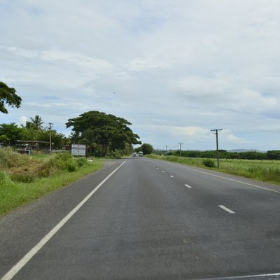 Tarsealed road outside Nadi