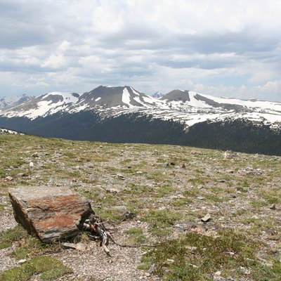 A photograph taken of a tundra landscape high in the Rocky Mountains National Park.