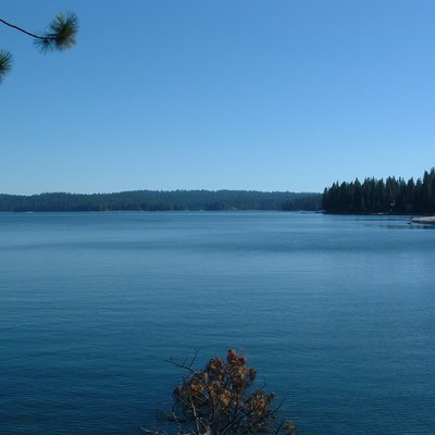 Shaver Lake — A Reservoir The Sierra Nevada That'S Part Of The Big Creek Hydroelectric Project, Within The Sierra National Forest And Fresno County, California.