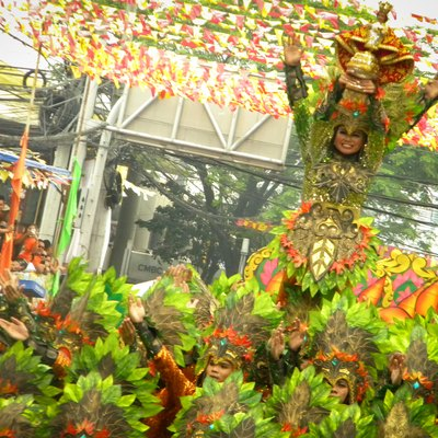 One of the participating dancing contingents of the Sinulog Festival.