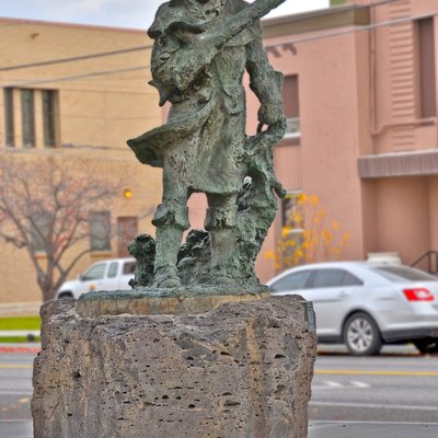 Sculpture of Snake River Fur Trapper by R. E. Regnold on the bank of the Snake River (on the greenbelt) in Idaho Falls, Idaho.