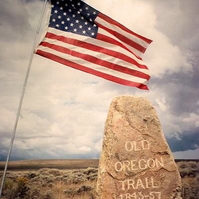 Oregon Trail pioneer Ezra Meeker erected this boulder near Pacific Springs on Wyoming's South Pass in 1906.[42]
