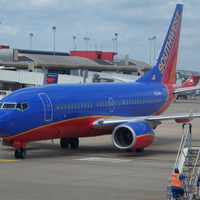 Southwest Airlines 737-700 at Pittsburgh International Airport
