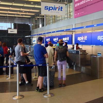 Spirit Airlines Check In, 10000 West O'Hare Ave, Chicago, IL 60666, USA - Jun 2014