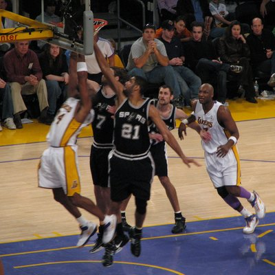 Photo of action during a w:San Antonio Spurs (in black) and w:Los Angeles Lakers game.