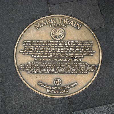 A picture of the plaque with quote by Mark Twain on Australian history