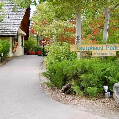 Entrance to the Idaho Falls Tautphaus Park Zoo