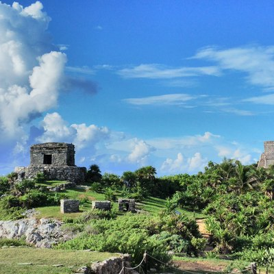 Tulum'S Templo Del Dios Viento (Temple Of Wind God, Left) And Castillo (Castle, Right)