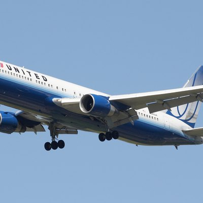 United Airlines Boeing 767-322ER.