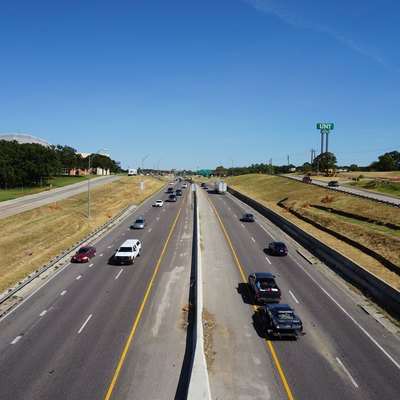 A view of Interstate 35E from the pedestrian bridge on the campus of the University of North Texas in Denton, Texas (United States).
