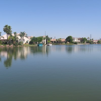 Picture of lake front in Val Vista Lakes in Gilbert, Arizona, USA