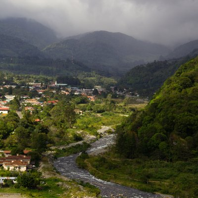 A cold climate is usual near and in the Panamanian highlands.