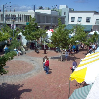 I took this picture from the rooftop of a restaurant (the owners were very kind for letting me up there). It is Vogel Plaza (in Medford) during the Art in Bloom festival, May 12th 2007.