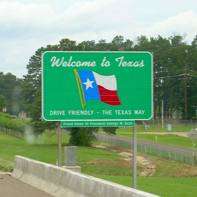 Texas state welcome sign, along Interstate 30, entering from Arkansas.