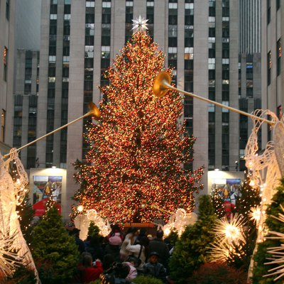 Christmas tree at Rockefeller Plaza, New York, 2006. Author: Alsandro