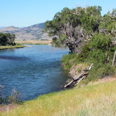 A photo of the Yellowstone River, flowing through Paradise Valley, not far off of US Highway 89.