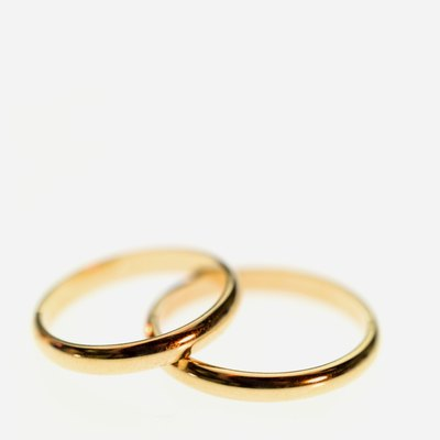 Tie the knot without depleting your bank account.