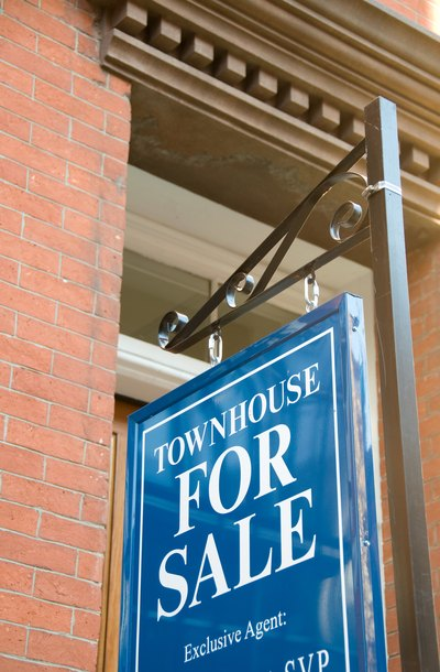 Liquidating assets during divorce who moves