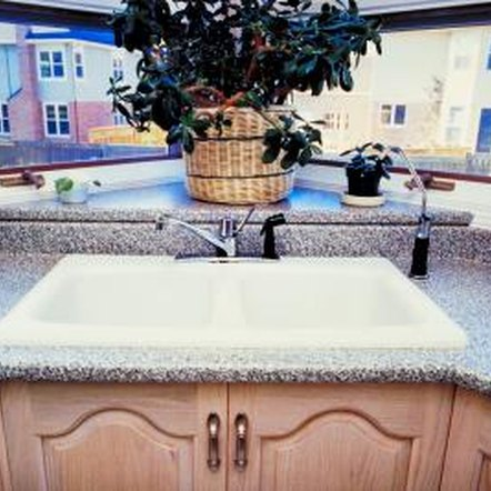 Which Color of Granite With Maple Cabinets? | Home Guides ... on Granite Colors That Go With Maple Cabinets  id=36685