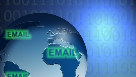 Advantages & Disadvantages of Acquiring Other Email Addresses for a Campaign