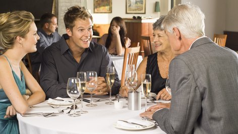 How to Sell Limited Partnership Units in a Restaurant