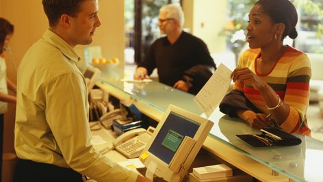 Tips on Landing a Front Desk Manager Job