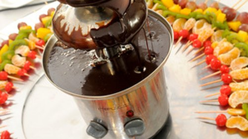 How to Use Semi Sweet Chocolate & Oil for a Chocolate Fountain