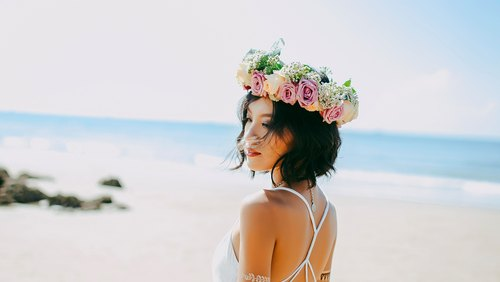 7 Gifts To Get The Bride Who Loves Wellness