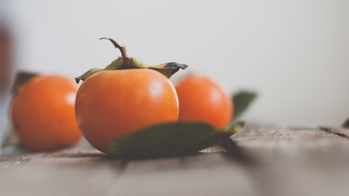 How to Ripen Persimmons Indoors
