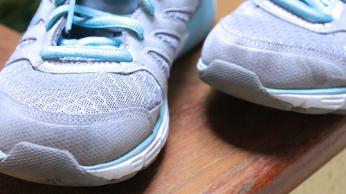 How do I Convert Kids' Shoe Sizes to Women's Shoe Sizes?