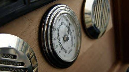 <p>Dials on a humidor</p>