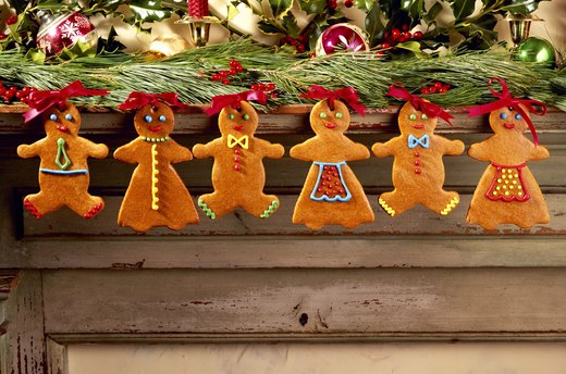 Gingerbread Family Decor