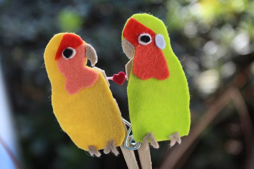 Clothespin Puppets: Lovebirds