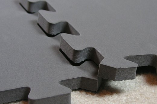 Fit Mats Together for Larger Sizes