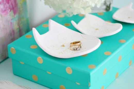 Keep Tiny Trinkets Safe With a Cute Clay Dish