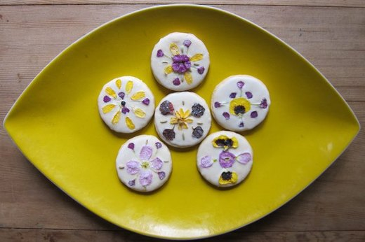 Experiment with Edible Flowers