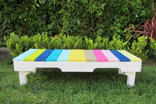 Grab a Seat on a Pallet Bench