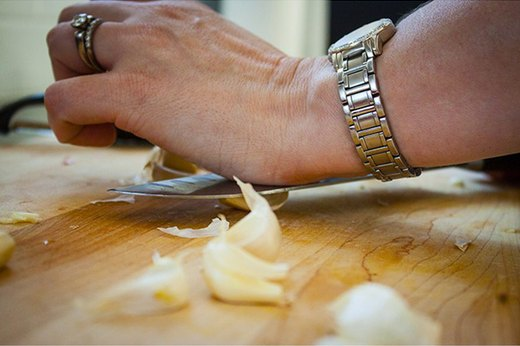 Peel the Garlic