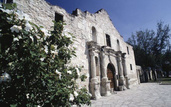 Visit the site of the Battle of the Alamo on an escorted bus trip from San Antonio.