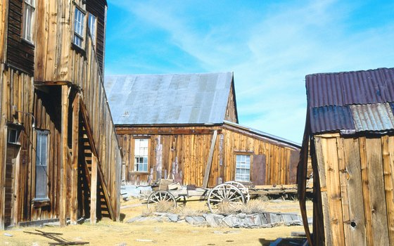 Bodie's population exploded to 10,000 inhabitants by 1880.