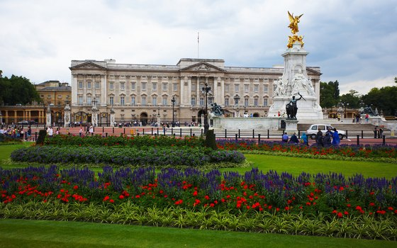 Many tours that stop at Buckingham Palace take in the Changing of the Guard ceremony.