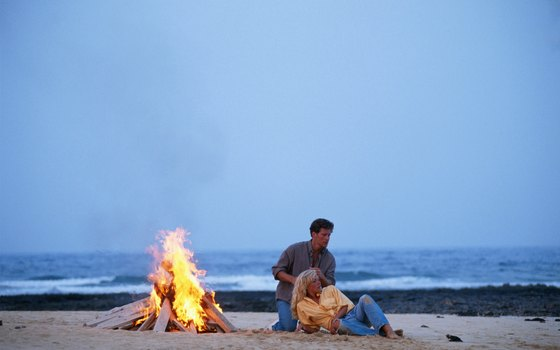 A Monterey company offers private beach bonfires to romantic couples.
