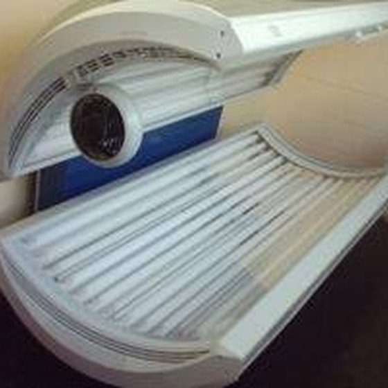 Familiarize yourself with the tanning bed before use.
