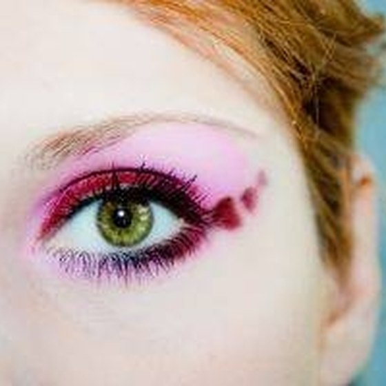 How Long Can I Wear My Contacts?