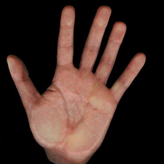 Pain is a symptom of hand tendinitis.