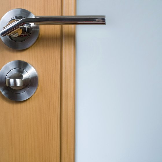 Door handles can be home to many types of bacteria. : door handle - Pezcame.Com
